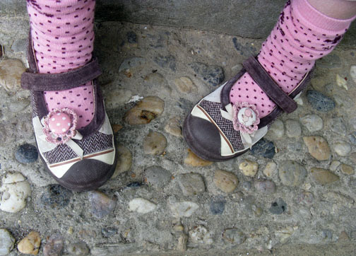 peachy shoe clips