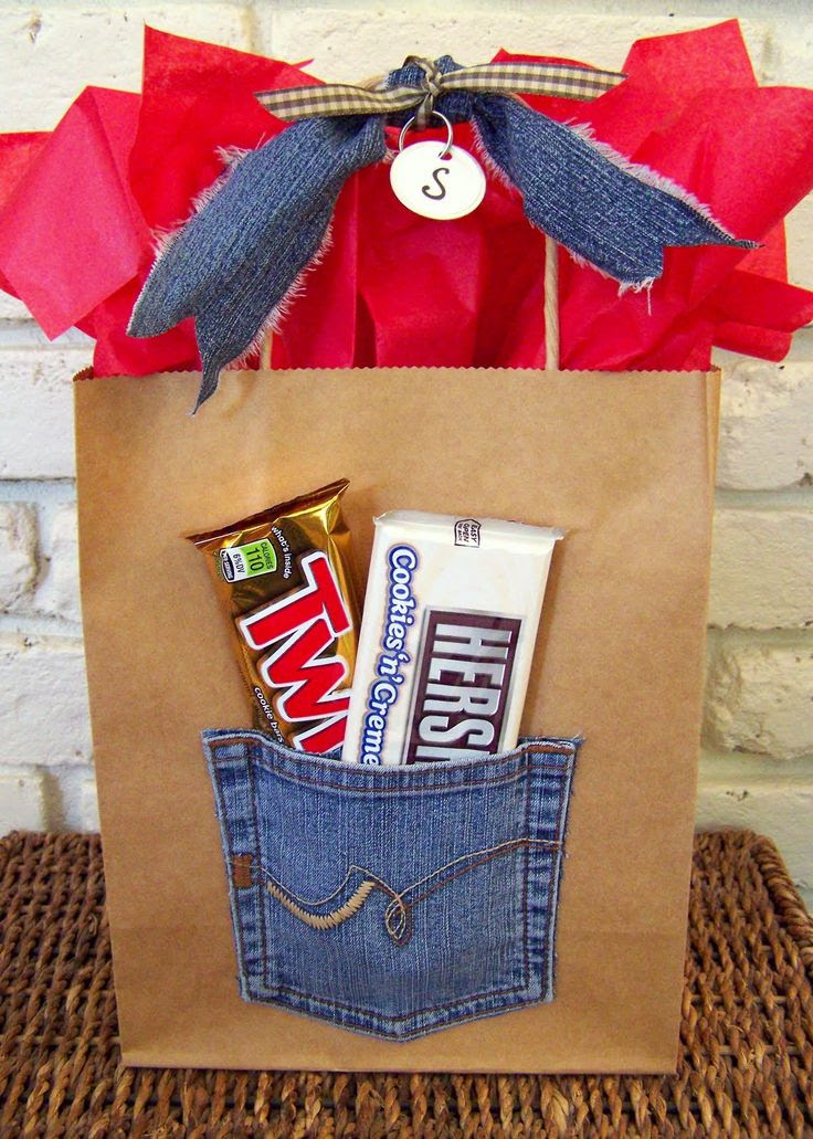31 (million) ways to wrap presents. must try them all! Cute wrap for Bevo??!!