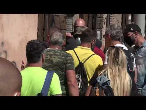 Circo Massimo, scontri tra dimostranti, interviene la polizia