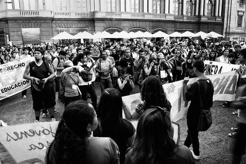 Mas fotografos que protestantes by Alejandro Bonilla