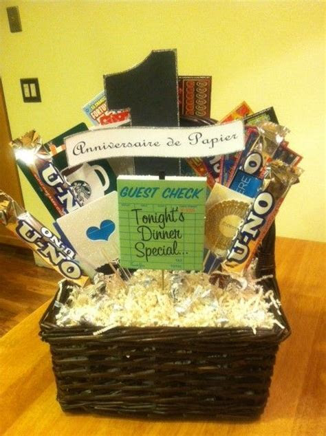 1st Wedding Anniversary Gift Basket: Dianna made this gift