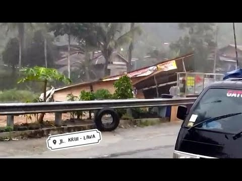 Kondisi Terkini Proses Evakuasi Longsor di Jalan Liwa - Krui Pekon Kubu Perahu (28 Maret 2021)