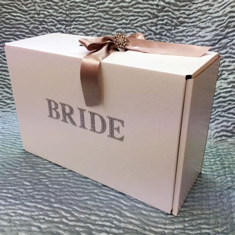 show stopper bride wedding dress travel box  ribbon