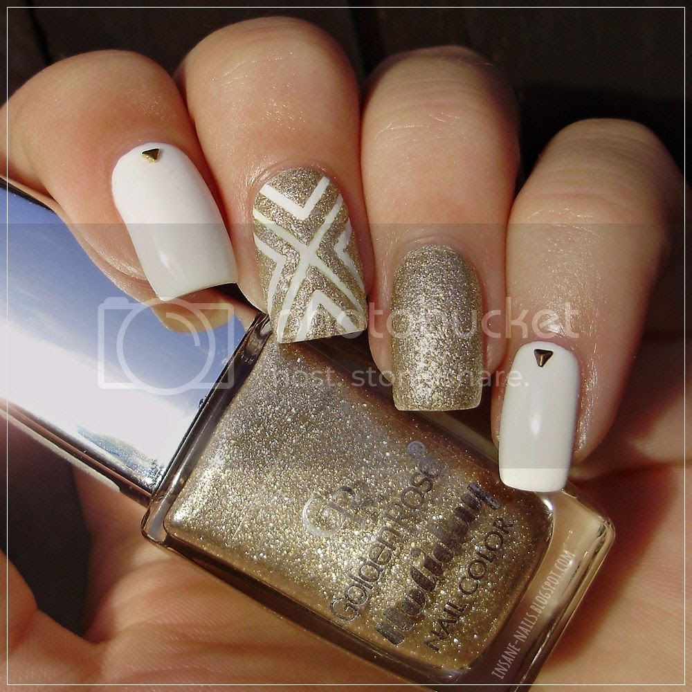 photo white_and_gold_nails_2_zpsml0hhupi.jpg
