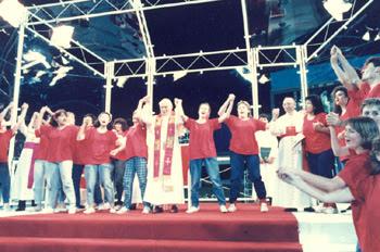 JPII dances with youths