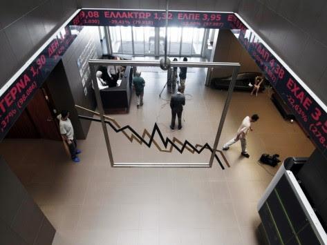Χρηματιστήριο: Η πιο `μαύρη` Δευτέρα μετά το 1987 - Γκρεμίστηκαν οι μετοχές των τραπεζών - Όλοι οι περιορισμοί για τους Έλληνες επενδυτές