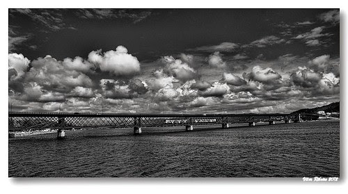 Ponte Eiffel (b/w) by VRfoto