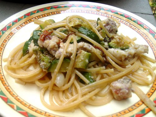 spaghetti con canocchie zucchine e fiori : ricetta su Panperfocaccia