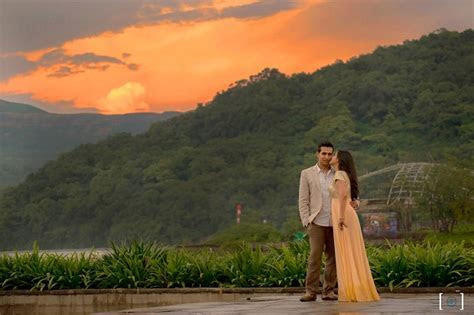 A Beautiful Sunrise PreWedding PhotoShoot At Aamby Valley