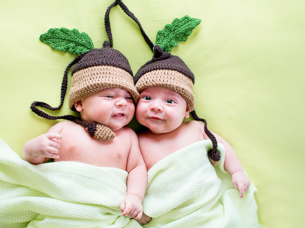 25 Most Beautiful Cute Twins Baby Pictures