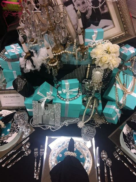 Breakfast at Tiffanys table setting   Party Ideas