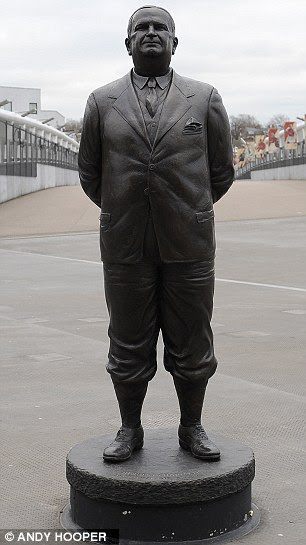 Legend No 3: Herbert Chapman is the only manager with his own Arsenal statue
