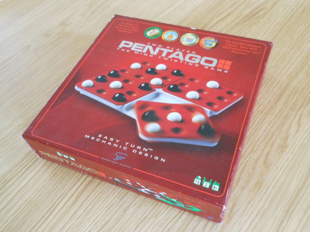 The box for the Pentago two-player board game, showing the various awards the game has won.