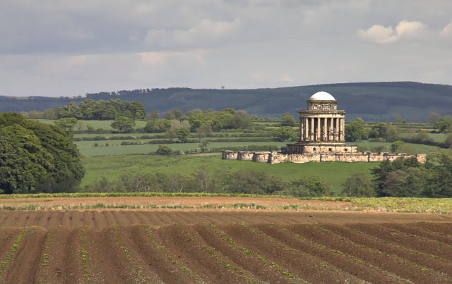 File:Potato field and Mausoleum - geograph.org.uk - 175984.jpg