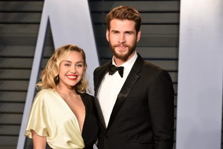I Lost My Virginity To Liam Hemsworth At 16 Year Old, Miley Cyrus Reveals