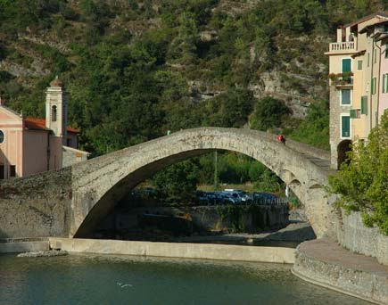 il ponte vecchio di Dolceacqua