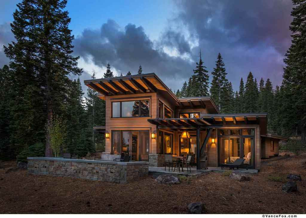 Modern Mountain Retreat to Unwind this Winter Season