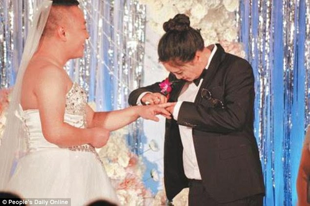 Awkward moment groom wears wedding gown to the ceremony (Photos)