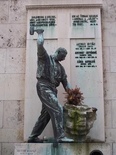 Kerepesi workers' monument