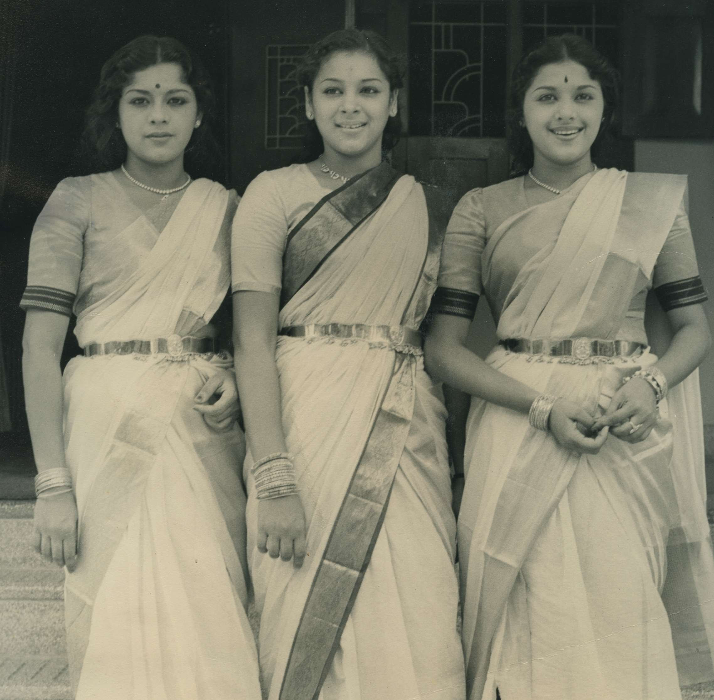http://www.betsywoodman.com/wordpress/wp-content/uploads/2012/08/Travancore-Sisters-Aug-31-1954.jpg
