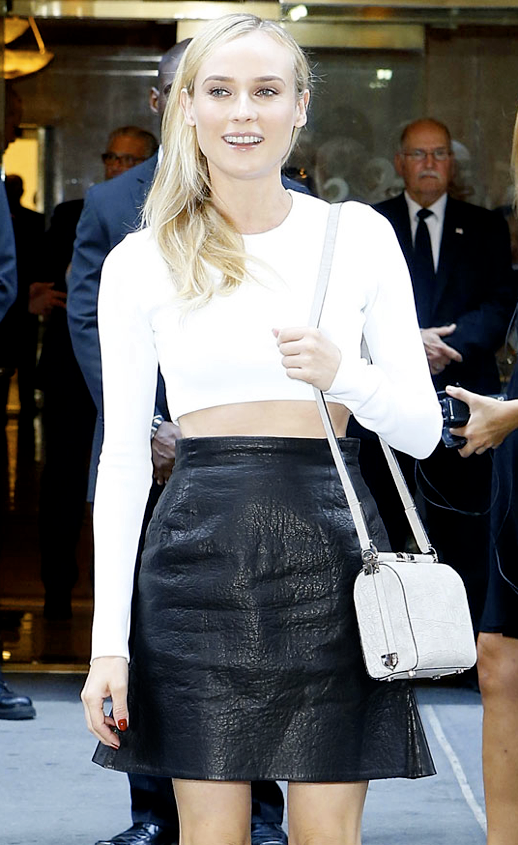 LE FASHION BLOG DIANE KRUGER CROP WHITE TOP TEXTURED LEATHER SKIRT BEAUTY BLONDE HAIR HIGH LIGHTS FLAWLESS SKIN MIDRIFF BARING MIDRIFF RED NAILS CALVIN KLEIN SS SPRING SUMMER 2013 FASHION SHOW NYFW SMALL CROSSBODY BOX BAG 2 photo LEFASHIONBLOGDIANEKRUGERCROPWHITETOPLEATHERSKIRT2.png