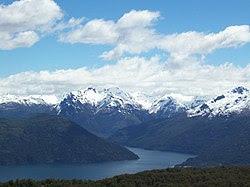 Lago Futalaufquen.JPG