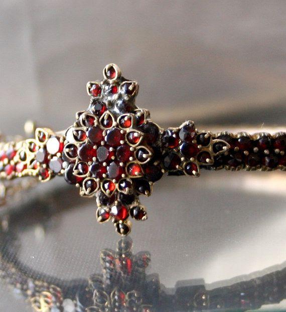 ART NOUVEAU Bohemian Garnet Bracelet