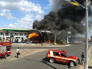 Posto de combustíveis ficou destruído após incêndio (Foto: Divulgação/Antonio Pinheiro)