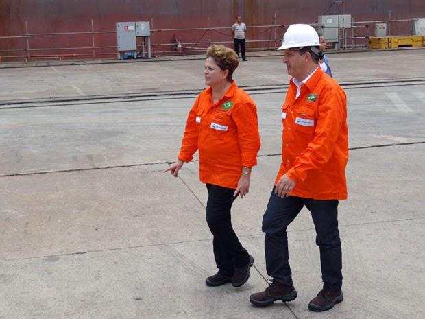 Dilma Rousseff e Eduardo Campos no Estaleiro Atlântico Sul, no Complexo de Suape (Foto: Katherine Coutinho/G1)