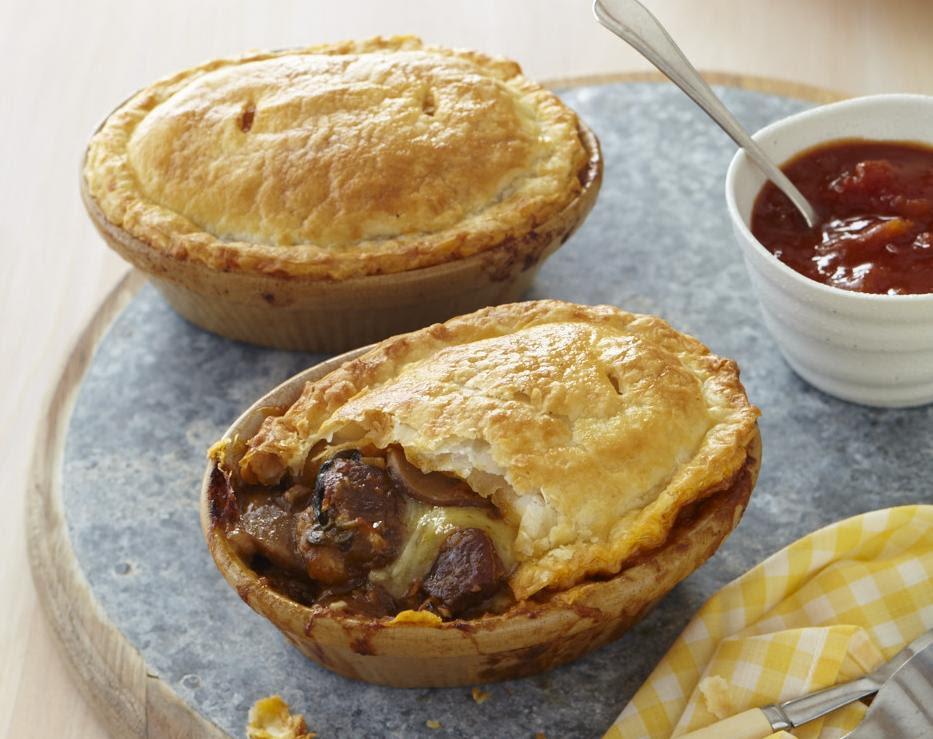 ChelseaWinter.co.nz Steak, cheese and mushroom pies ...