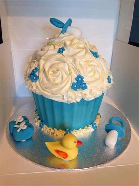 Giant Baby shower Cupcake   It's a Boy!   Babyshower Ideas