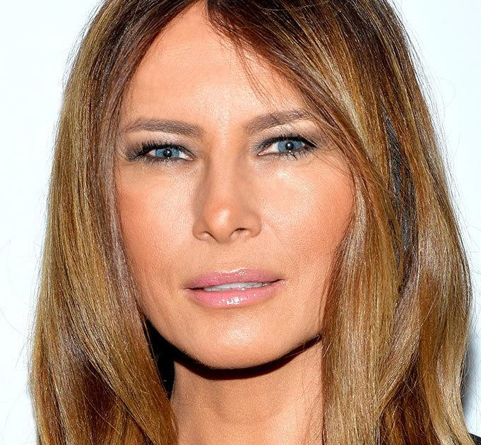 DONALD TRUMPS WIFE MELANIAS RACY NAKED PHOTO USED IN