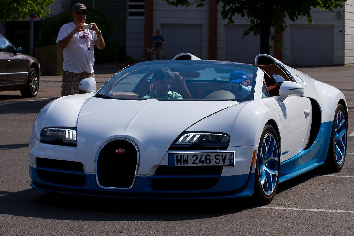 Bugatti Veyron Pictu