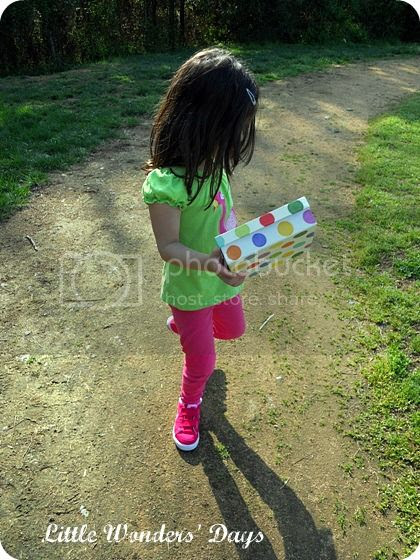spring nature walk with kids