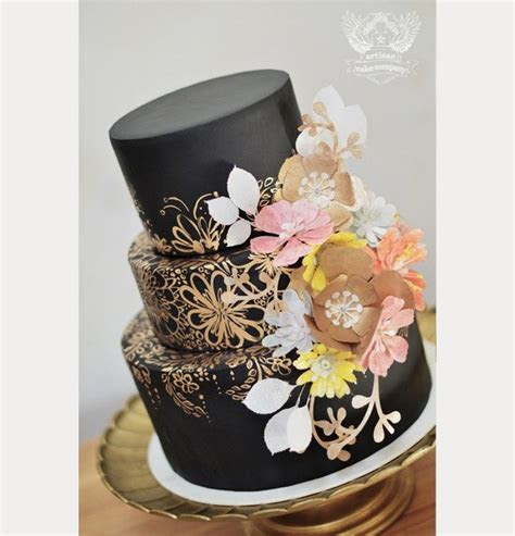 27 Black Iced Wedding Cakes For The Bold Bride   Mon Cheri