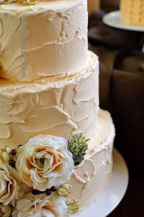 ADORED VINTAGE: 10 Vintage Inspired Wedding Cakes