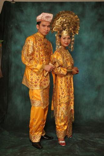 traditional malay fashion