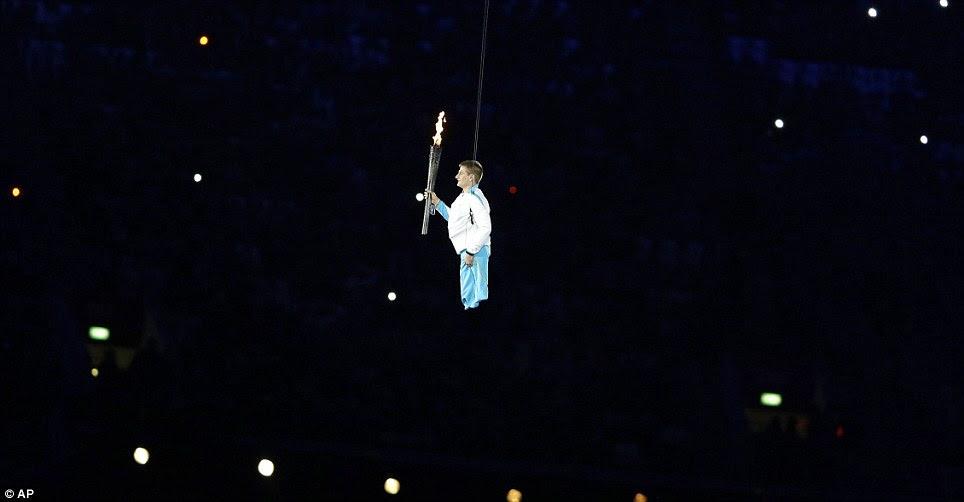 Megahnya Acara Pembukaan Pesta Paralympic Games 2012