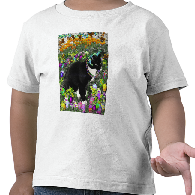 Freckles, Tux Cat, in the Hunt for Easter Eggs T Shirts