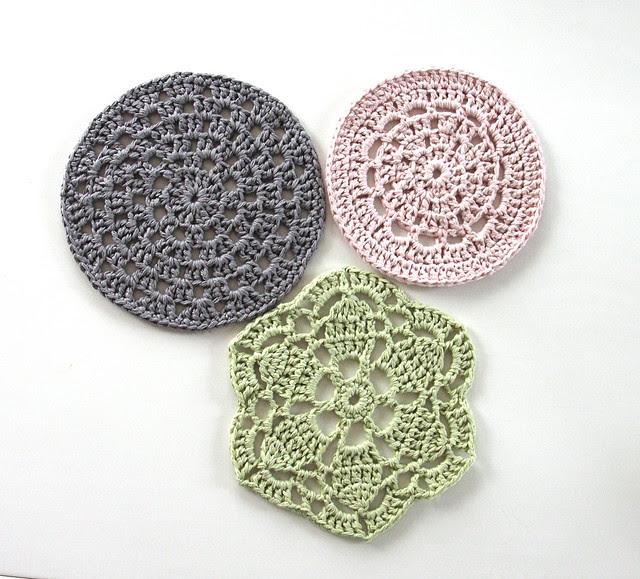 Crocheted table mats