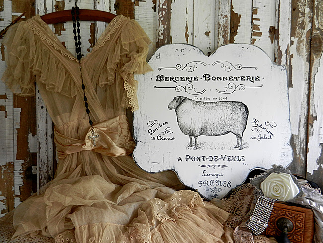 DIY French Farmhouse Sign