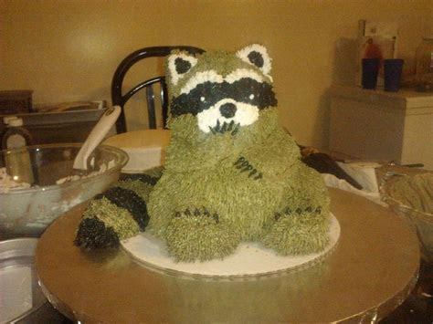 coon hunting wedding cakes   Pin Raccoon Cake Made For A