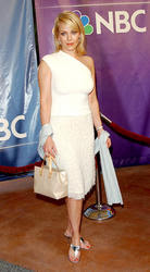 Hottest Celebrity: Gail O'Grady Hot Unseen White Suit Pictures