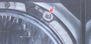 статья про замена фары на автомобиле ВАЗ 2106