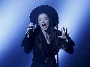 A cantora Lorde se apresenta na premiação do Billboard Music Awards (Foto: Reuters/Steve Marcus)