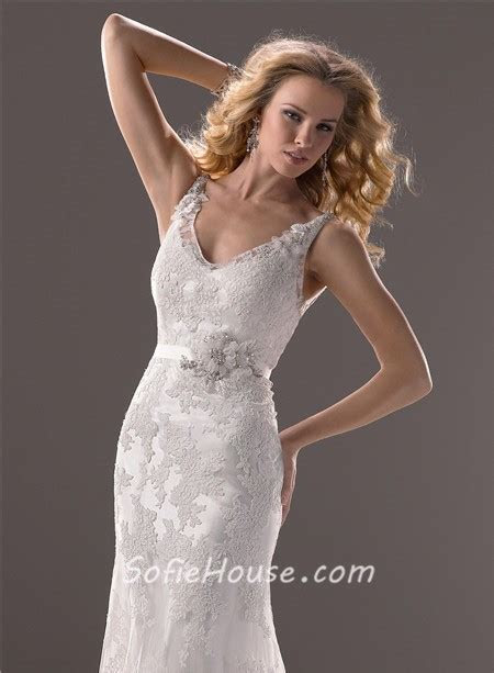 Sexy Mermaid V Neck Low Back Vintage Lace Wedding Dress