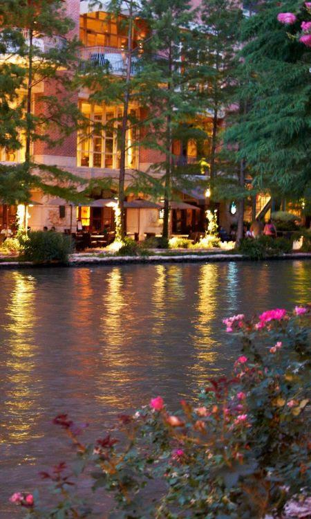 flowersgardenlove:  River Walk. San Anto Beautiful