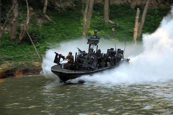 special boat team 22 - soc-r