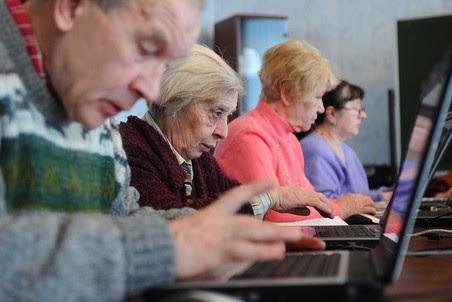 В регионах легче и дешевле пользоваться мобильным интернетом, чем стационарным, следует из исследования компании «Яндекс»