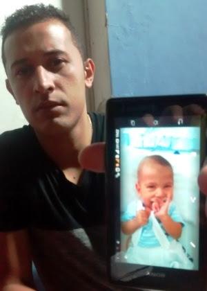 O menino Guilherme Souza da Silva, de sete meses, que morreu sem fazer o transplante para curar síndrome rara